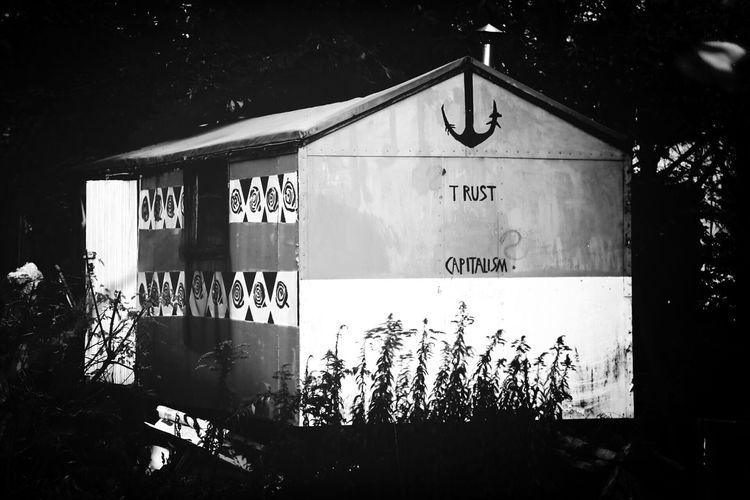 Trust Capitalism ? Trailer Blackandwhite Monochrome
