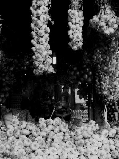 No People Abundance Day Garlic Garlic Bulbs Garlic Bulb Market Market Stall Marketplace Kitchen Art Black And White Photography Kitchen