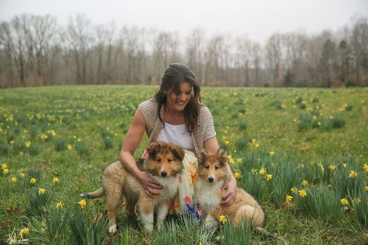 Collie Dogstagram Dog Love Moms & Dads Friendship Pets Young Women Beauty Happiness Dog Rural Scene Beautiful People Flower Pet Owner
