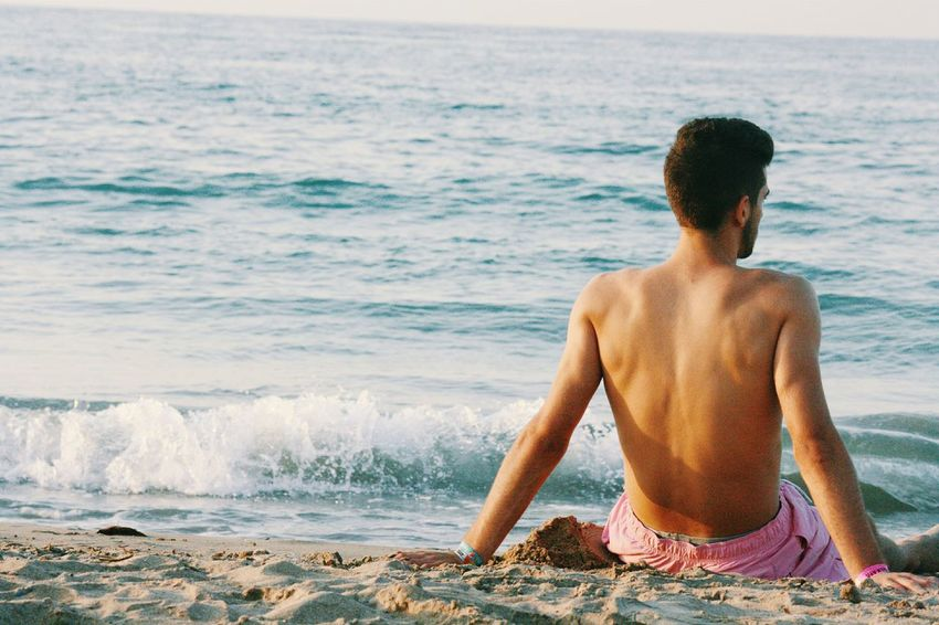 Capture The Moment Boyfriend In Love Taking Photos Casual It Was Only A Dream Beautiful Beach
