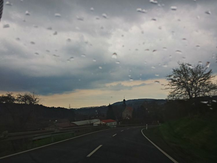 Landscapes Rainy Days Nature Photo Light And Shadow Picturing Individuality Pictureoftheday Pictures Eyem Gallery Eyemgallery Eyem City Lights Raining Thüringen Erleben Street Photography Streetphotography Thüringen_entdecken Thüringenentdecken