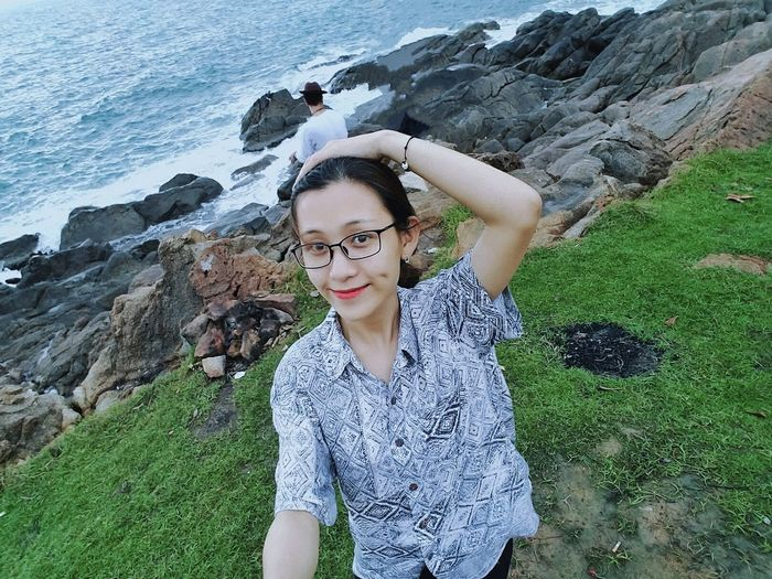 Kyduyen Nature Likealways Momentos Enjoying Life Moments Of Life Pictures Nice View Nice Pic Rear View Nature Beauty In Nature Little Girl Enjoy Time Lovephotography  Green Color Camping Trip Camping Holiday Camping Fire Campingcollective Danang, Vietnam