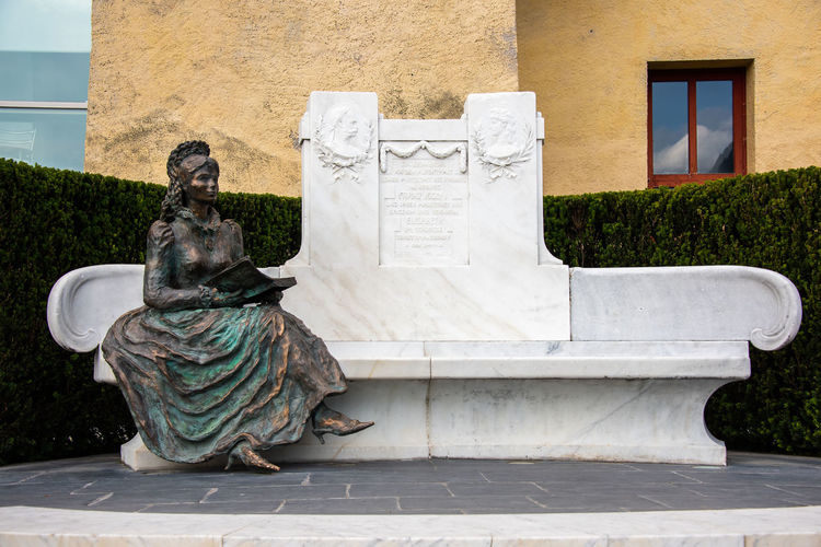 Architecture Art And Craft Building Exterior Built Structure Craft Creativity Day Female Likeness Human Representation Italy Male Likeness Memorial Merano Nature No People Ornate Outdoors Plant Princess Sissi Representation Sculpture Sissi Statue Trauttmansdorff Wall - Building Feature