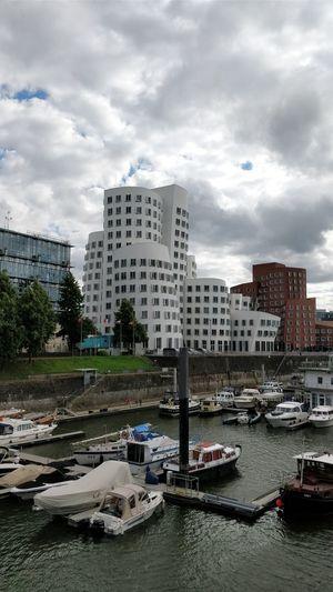 City Travel Destinations Düsseldorf Taking Photos ❤ Building Exterior No People Built Structure Architecture Tranquility Cityscape