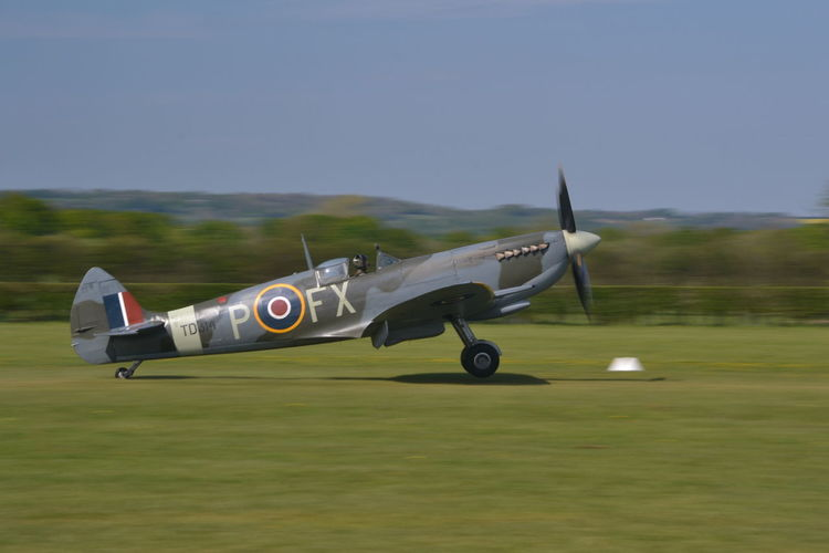 Battle Of Britain Battle Of Britain Flight Classic Aircraft England In Flight Motion Motion Blur Plane Spitfire Spitfire, Fighter WW2, Vintage, RAF, Pilot, Flying, Airfield, Speed, Grace, Beauty Spitfires Ww2 Ww2 Warbirds Ww2warbirds