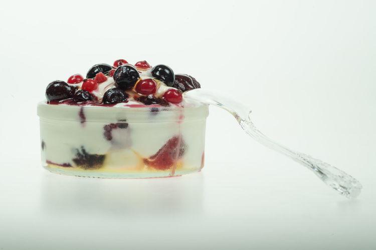 yogurt honey and fruit Berries Berries And Creamy Yogurt Fruits Honey And Yoghurt Raspberries Yoghurt &honey Yoghurt And Fruit Yoghurt Cream Yoghurt Pudding Yogurt And Fruit Yogurt♡♡♡♡♡