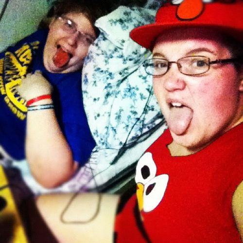 Haha she's wearing all Elmo! Wow!! Allelmo BigSis Goober @jazzy_beth