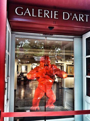 Galery Art Art Is Everywhere Arts Culture And Entertainment Art Gallery Artphotography Street Eye4photography  EyeEmBestPics EyeEm Best Shots Paris City France Streetphotography Montmartre Montmartre Street Tourism Red Sculpture