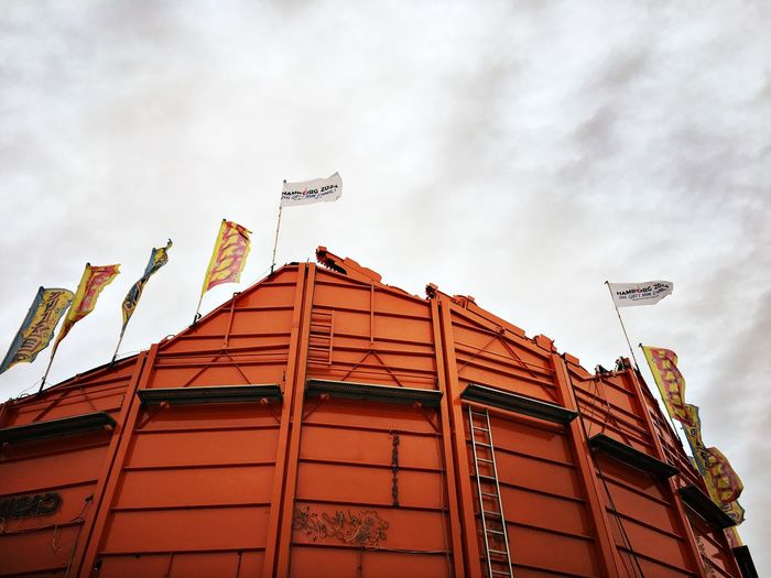 Hamburger Dom Shaker Fairground Hanging Out Behindthescenes Heiligengeistfeld Urban Construction