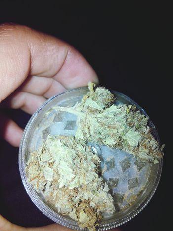 El rojo de nuestros ojos significa que vamos por la correcta via. ✌???❤ Weed Grinder Thc Marijuana