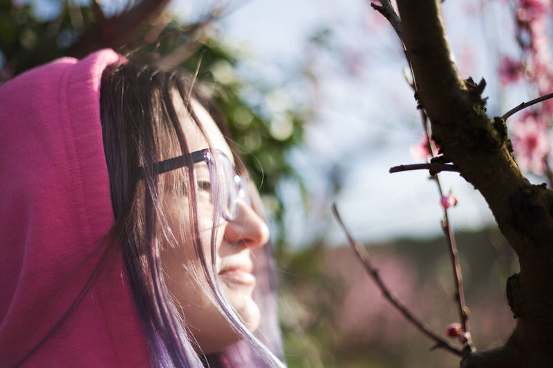 Freedom Solar Sunlight Sunny Young Glasses Lifestyles One Person Outdoors Pink Color Plant Sunny Day Sunshine Young Women The Portraitist - 2018 EyeEm Awards My Best Photo International Women's Day 2019