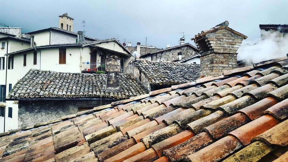 Building Exterior House Architecture Built Structure Outdoors Roof Day Spoleto-Umbria <3 No People Sky Umbria Cloud - Sky