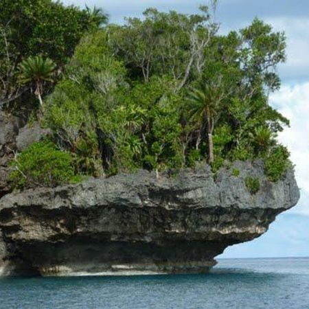 Pulau Kesui SERAMISLAND . Maluku