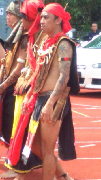 Tattoo Tattoo Obsession Tattoo Design Tattoo Life Tattoobody Streetparade Streetphotography Bidayuh Culture And Tradition Costume, People And Places Mens Educated Professional Occupation Allwalksoflife Necklace Hello World ✌ Srs_hamburg Srs_deutschland Journey Journeyphotography Journey Of Life