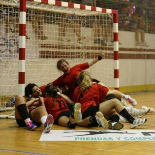 Grandes momentos!!! Campeonas Mislata BM 2013 Pasión  Vida Santapola