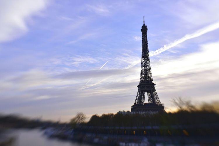 Paris Paris,