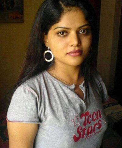 Hello 😀😀😀😀😀 Looking At Camera Portrait Real People Lifestyles Beautiful Woman Indian Girl Desi Girl Love Style Bisexual Girl Bisexuality Femininity Young Adult Beauty Beautiful Adults Only
