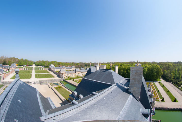 The Beautiful View Inside The Chateau De Vaux Le Vicomte Looking From It's Tallest Structures. The House Is A Baroque French Chateau Located In Maincy, Near Melun, 55 Kilometres Southeast Of Paris. Architecture Beautiful Built Structure Château Clear Sky Day Europe France History Architecture Holiday Maincy Melun Nature No People Outdoors Paris Sky Sport Structure Tourism Travel Destinations Tree Vicomte