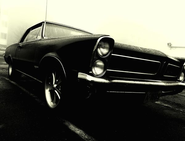 black Car Rainy Day Oslo Huwawei