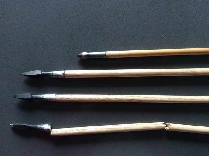 Bodkin Arrow Point 1/2 Shafts Compared 3/8 Broken Impact Fracture