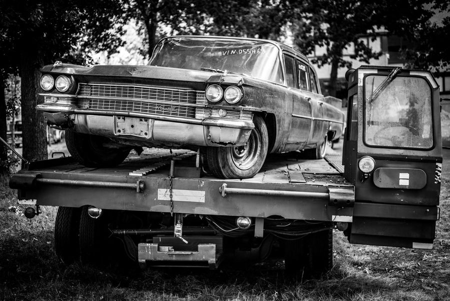 Forgotten Cars American Cars American Dream American Vintage Car Cadillac Dinosaur The Week on EyeEm US Cars Abandoned Black And White Car Mode Of Transportation Monochrome Motor Vehicle No People Obsolete Old Old Car Retro Styled Rusty Autos Rusty Car Transportation