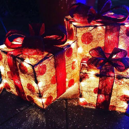 Present light Xmas Christmas ribbon