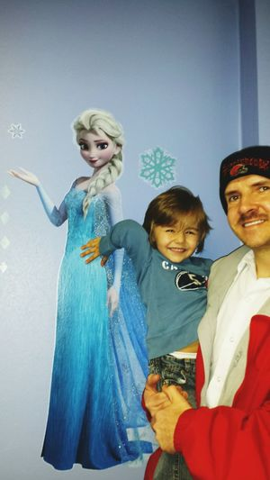 Gavin was very excited to be in the frozen room at the drs this afternoon. Frozen Kidsdosomecrazythingsandthenwhentheygrowupyouhaveembrassingstorystotellaboutthem