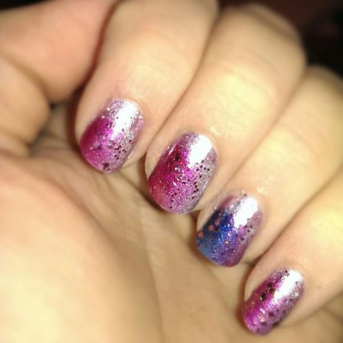 http://hugi2014.blogspot.de Followme Follower New Essence RdeL Rossmann Dm Nails Nailart  Glitzer Kiki -hugi Ombre Ombrenails Grandient Pink Holo Style Beauty Style Xmas Nikolaus Dezember December Blogger Blog nägel nagellack easy happy