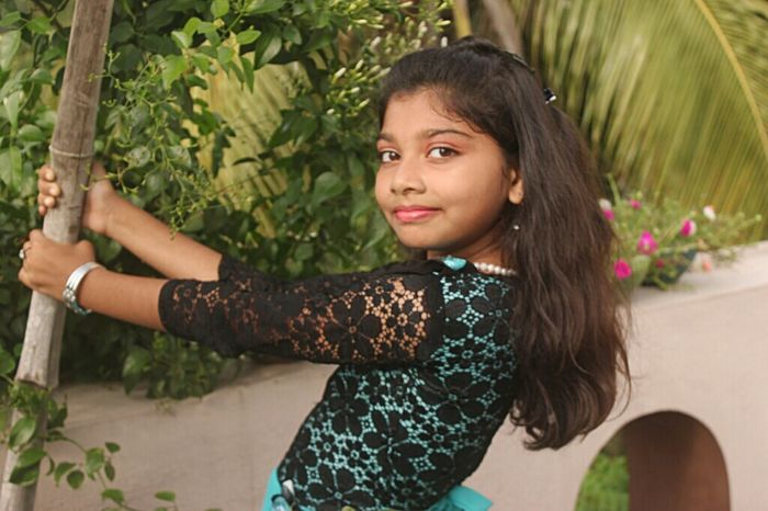 Feeling Myself  Lifeisbeautiful Fashion&love&beauty Capture The Moment Cute Girl Cuteness Beautiful Kid Mesmerizing Beauty ! It's A Thousand Storys Behind This One Smile :) Enjoying Life
