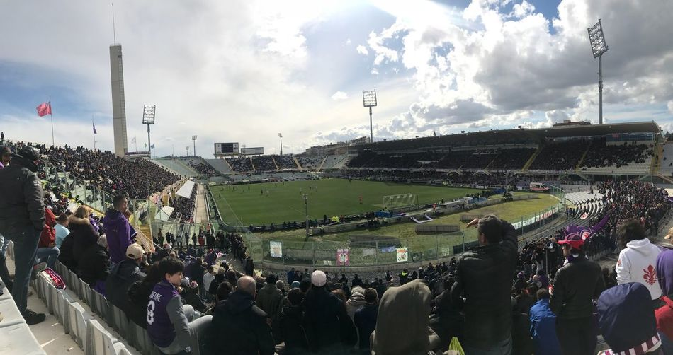 Fiorentina-Crotone 2017/2018 Panoramic No Filter Clouds And Sky Cloud - Sky Florence Match - Sport Playfootball Fiorentinaofficial Firenze With Love Football Stadium Stadio Artemio Franchi Firenzemadeintuscany Firenze FioentinaCrotone Fiorentinafootballteam Fiorentina Stadium Outdoors Lifestyles Architecture Watching