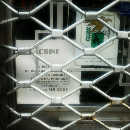 """procura-se (...) milagre"" Crise Comércio Porto Cedofeita Optimusprimaverasound Praçacoronelpacheco"