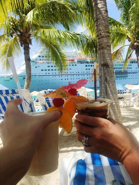 Palm Tree Tree Holding Food And Drink Coconut Outdoors Freshness Young Adult Growth Day Sky Family Time Family Matters Family Fun Family Trip Family Vacation Family Is Everything Familymatters Drink Up Drinkswithaview Connected By Travel