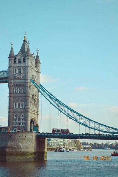 London Towerbridgelondon Londonbus Traveling
