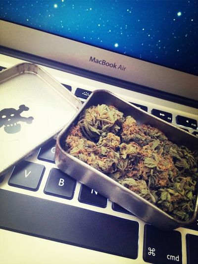 Good Morning :) I m ready for a Bong Weed Cannabis Smoking Ganja♥ Have a nice day with Love Tate :)