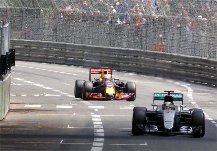 Duel between Hamilton and Ricciardo during the Monaco Formula One grand prix 2016 Car Daniel Ricciardo Duel Grand Prix  Grand Prix De Monaco Lewis Hamilton Mercedes Monaco Race Racecar Red Bull Security Speed Technology Automobile Race Foreground BackgroundDuel Sport Cars