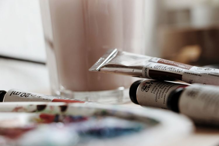 Paint Creative Love Minimalism Artistic Business Finance And Industry Close-up Paintbrush Oil Paint Artist's Canvas Brush Fine Art Painting Canvas Modern Art Oil Painting Acrylic Painting Brush Stroke Paint Can Art Studio Palette Watercolor Paints Art And Craft Equipment