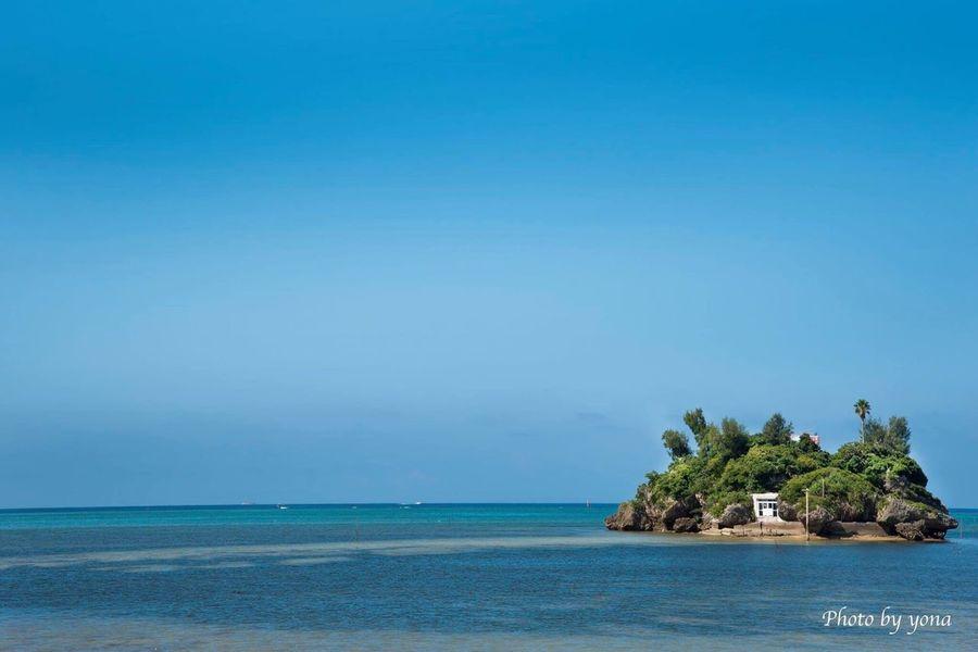 日本 沖縄 恩納村 ヒトゥー島 海 島 景色 風景 青空 あおぞら にほん Sea Sky Japan Okimawa Natural Hello World Enjoying Life Sky_collection Island The Blue Sky