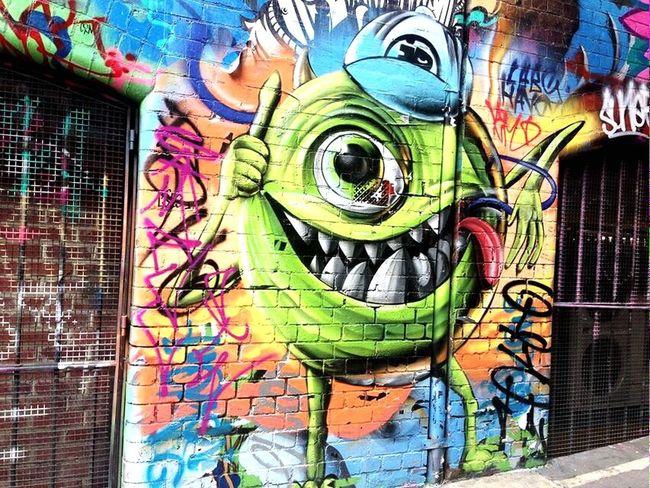 朋友在澳洲拍的大眼仔~好帥哦💋😍😘 Michael Wazowski Monstersinc Monstersuniversity Hello World Popular Photo Streetphotography