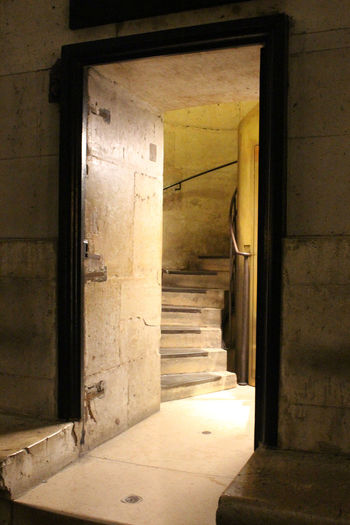Arc De Triomphe Architecture Built Structure Closed Day Deterioration Doorway Empty L'arc De Triomphe No People Old Open Run-down Stairs The Architect - 2016 EyeEm Awards