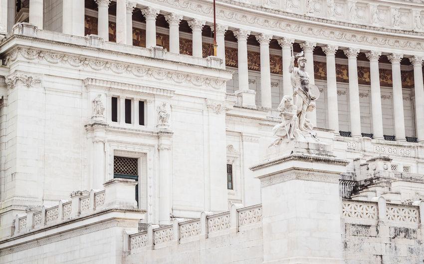 Low angle view of building, vittoriano or altare della patria