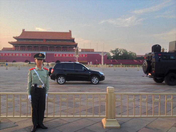 Army Armée Chinoise Beijing Chinese Army Chinese Police Flag Ceremony Flag Lowering Flag Lowering Ceremony Mao Zedong Police Armée Du Peuple Protocol Soldat De Plomb Tiananmen  Tiananmen Square Tin Soldier Young Soldier 中国人民解放军 天安门广场 Eyeem Photography TheWeekOnEyeEM Cité Interdite Forbidden City From My Point Of View