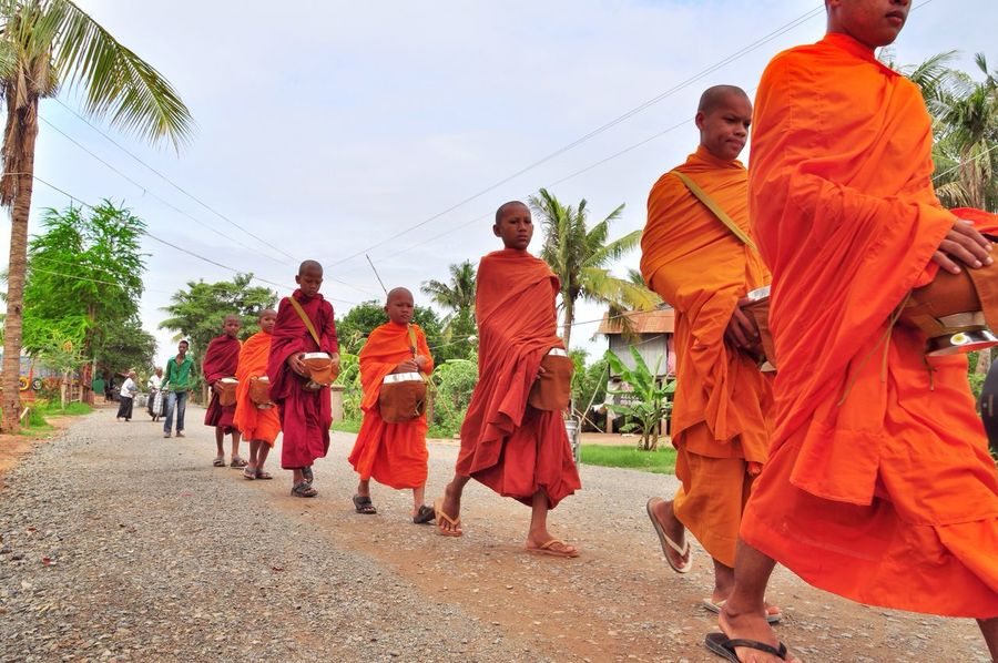 Monk  43 Golden Moments Cambodia Phnom Penh Travel Buddha Buddhism Buddhist Offering Colour Of Life Color Palette Eyeemphoto People And Places TakeoverContrast Beautifully Organized EyeEm Diversity