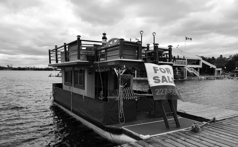Comperatemi Boat Canadian Flag Dow's Lake Drapeau Canadien For Sale For Sale Sign Nature Old Boat Water Black And White Old Boats