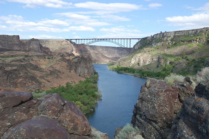 Perrine Bridge over the Snake River Canyon in Twin Falls, Idaho, USA. Idahome Snake River Architecture Bridge - Man Made Structure Built Structure Connection Day Engineering Hydroelectric Power Idaho Idahoexplored No People Outdoors River Rock - Object Scenics Sky Snake River Canyon Snake River Valley Transportation Travel Travel Destinations Twin Falls Twin Falls, Idaho Water