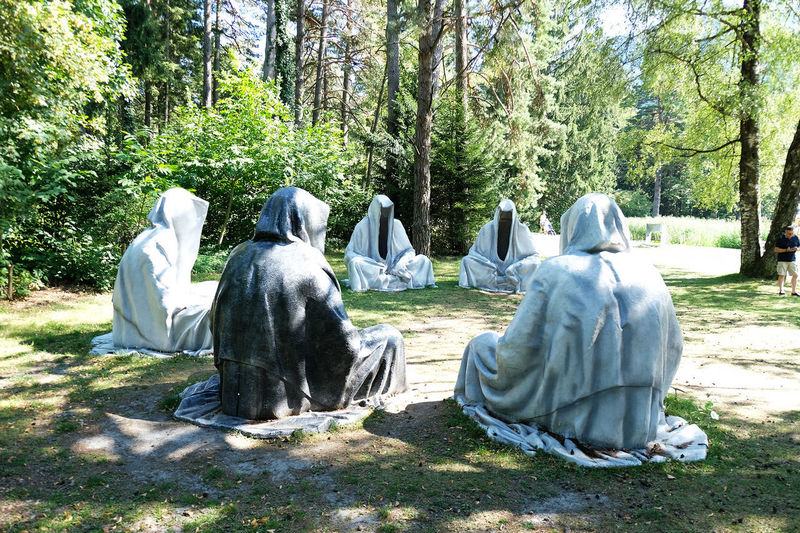 Swiss triennial of sculpture guardians of time by manfred kielnhofer Statue Arts Culture And Entertainment Design Guardiansoftime Kielnhofer Manfredkielnhofer Sculpture Sculptures Triennial