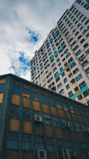 Architecture Building Exterior Sky No People Window DzArt PhonePhotography Samsungphotography Algeria 2017 Oran  Samsung Galaxy S6 Vscocam Vscogood Low Angle View Built Structure Day Outdoors The Architect - 2017 EyeEm Awards