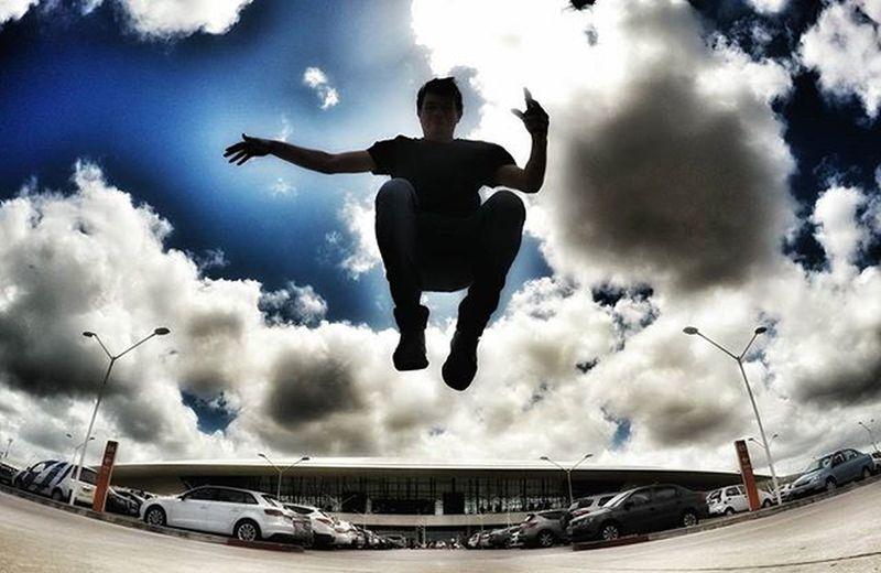 _ ✈ 🚀🆙🌞 Jump @cestlafeteba está llegando. Te lo vas a perder? 🎪🌅🌊🌎👌 ‡‡‡‡‡‡‡‡‡‡‡‡‡‡‡‡‡‡‡‡‡‡‡‡‡‡ Amazing Architecture Airport Blue Colorful DOPE Gopro GoProCulture Goprohero4 Igers Instajump Jumpstagram Jumper Jumping KeepJumping Montevideo Mvd Sun Sky Skyporn GlobeJumpers Trip Travel Uruguay Viñoly