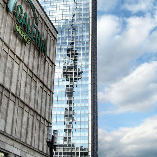 Alexanderplatz Parkinnhotel Berlin Germany Reflection Tvtowerberlin