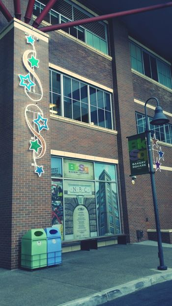 Bakery Square Pittsburgh Pennsylvania Taking Photos Check This Out Parking Art
