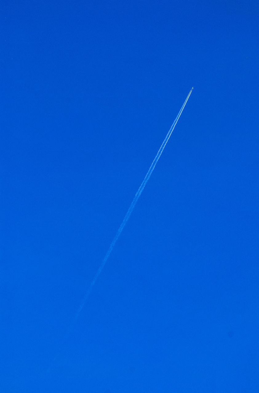 vapor trail, contrail, blue, nature, clear sky, no people, beauty in nature, tranquil scene, day, tranquility, scenics, outdoors, sky